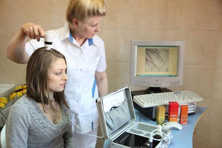 Врач лечащий выпадение волос у женщин