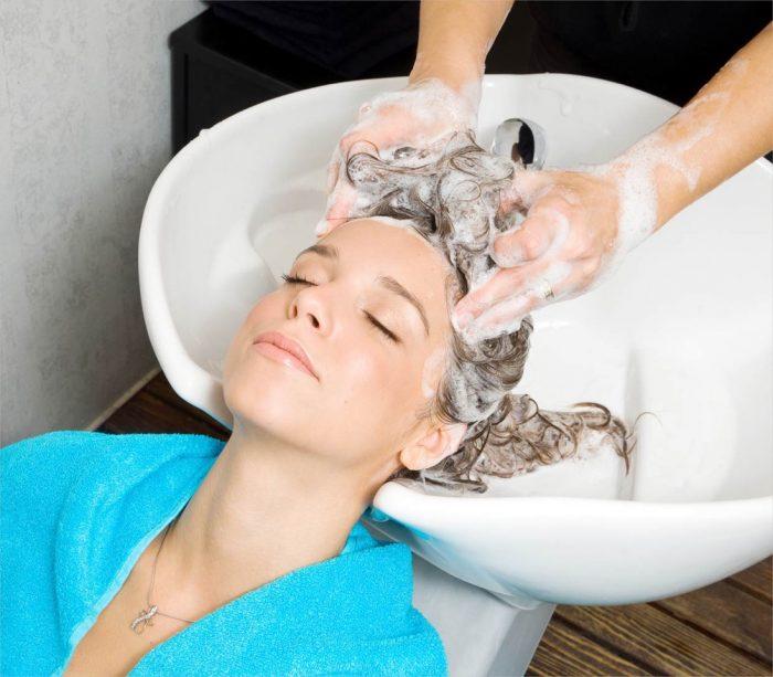 голову всегда моют отдельно от тела