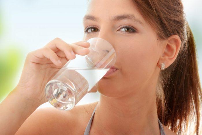 соблюдение достаточного питьевого режима