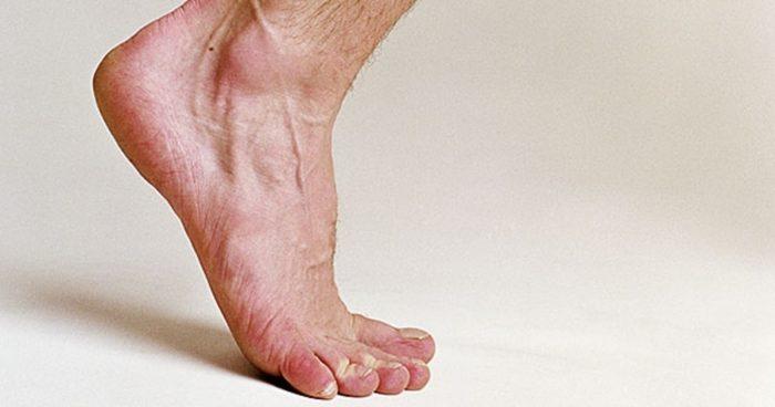 механическое повреждение ногтевой пластины