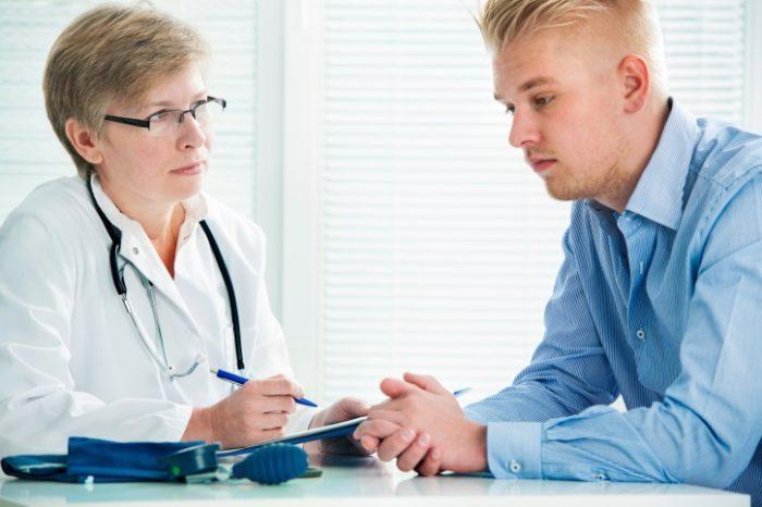 только врач решает, чем лечить дерматит