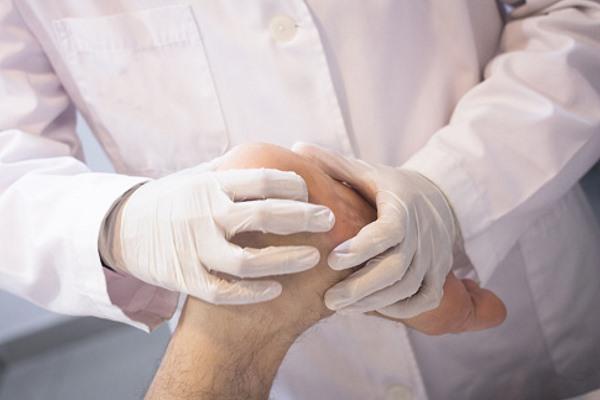 доктор может определяет развитие патологии