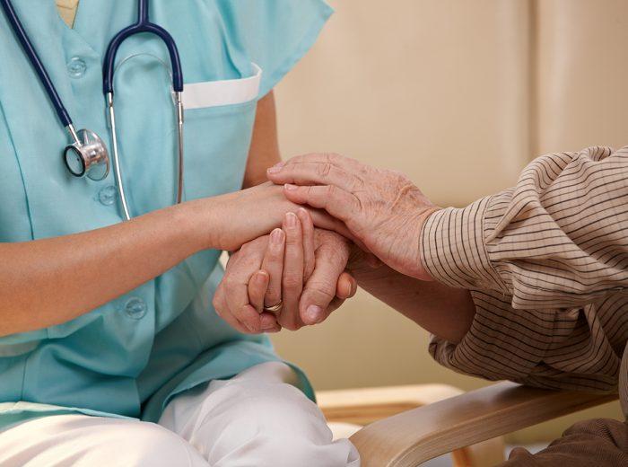 наличие онкологических заболеваний у пациента