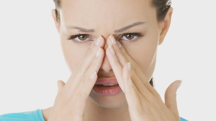 сухость слизистых оболочек рта и носа