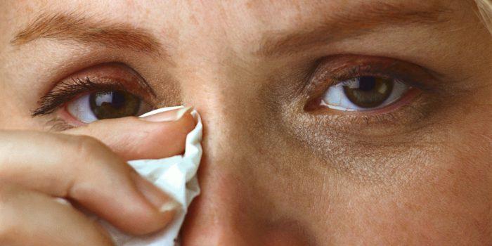 пощипывание в больном глазу